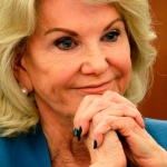 Elaine Wynn Wants Director Gone